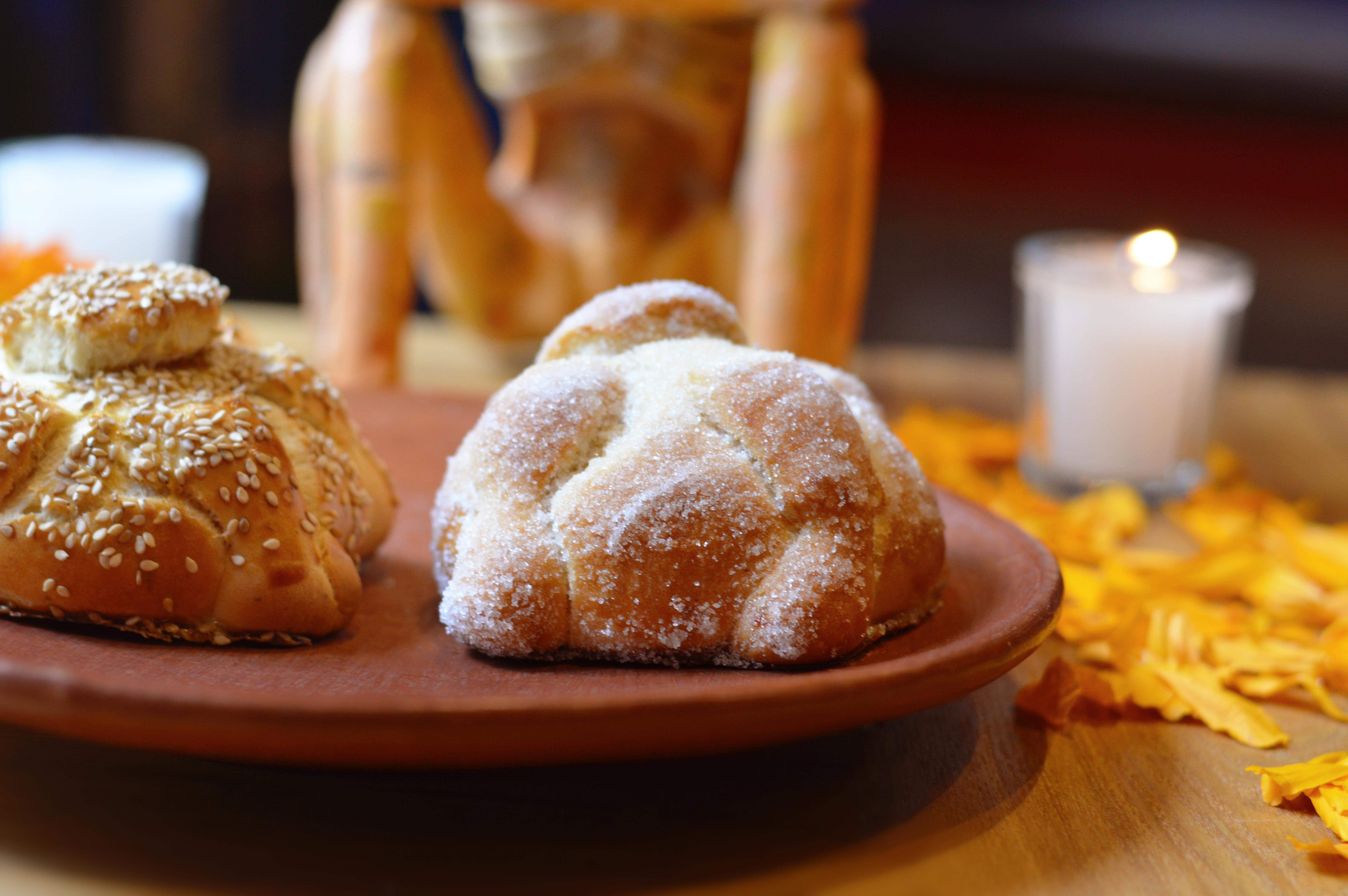 Pan de muerto y veladoras, lo más comprado por los hogares mexicanos: Kantar