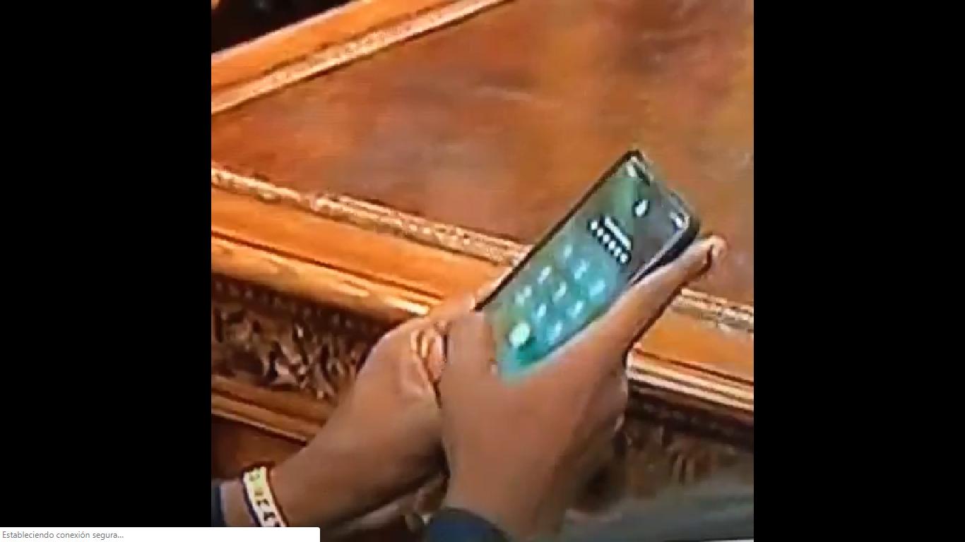 Antes que sus canciones, recordarás la contraseña del celular de Kanye West