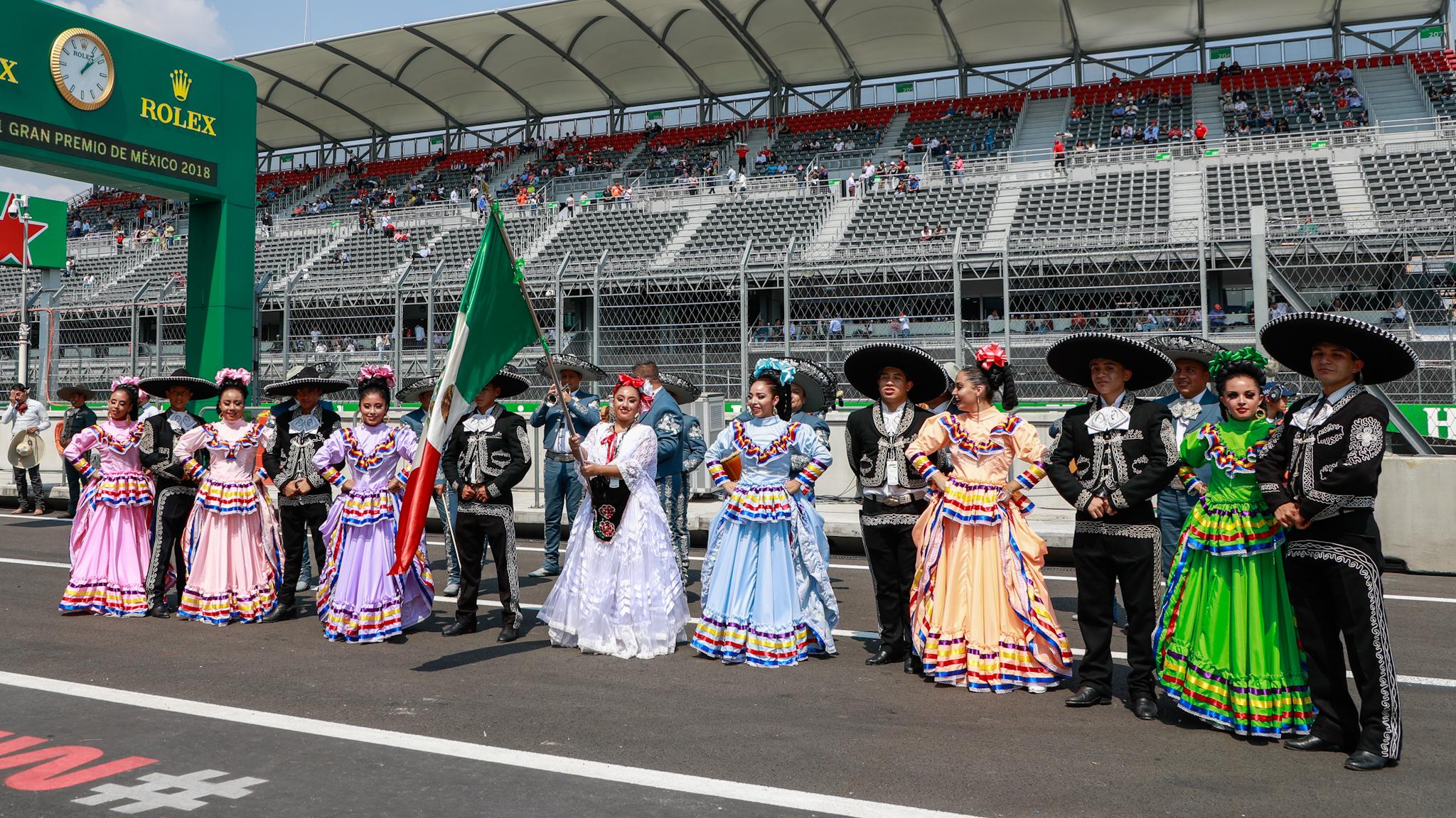 Arranca la F1esta con Verstappen liderando los entrenamientos