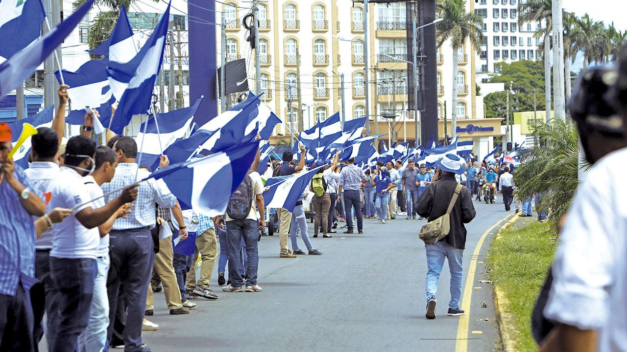 La Prensa de Nicaragua publica portada en blanco