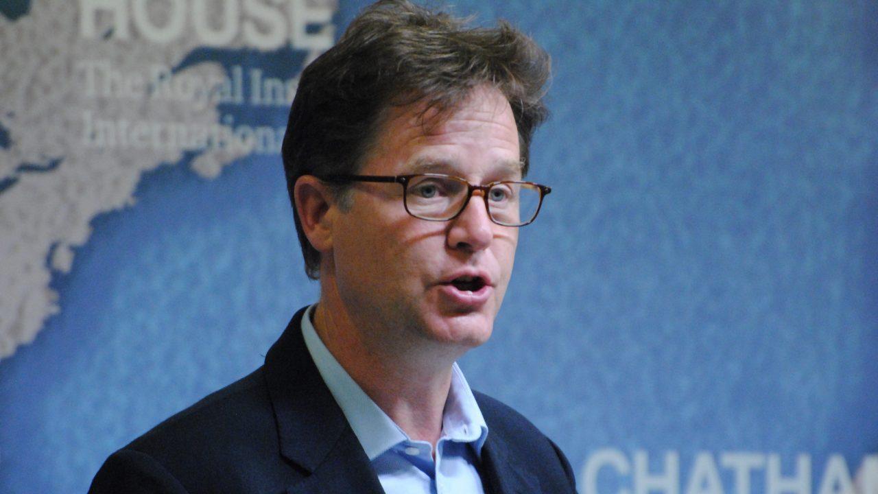 Facebook contrata exlíder británico como jefe de Asuntos Globales
