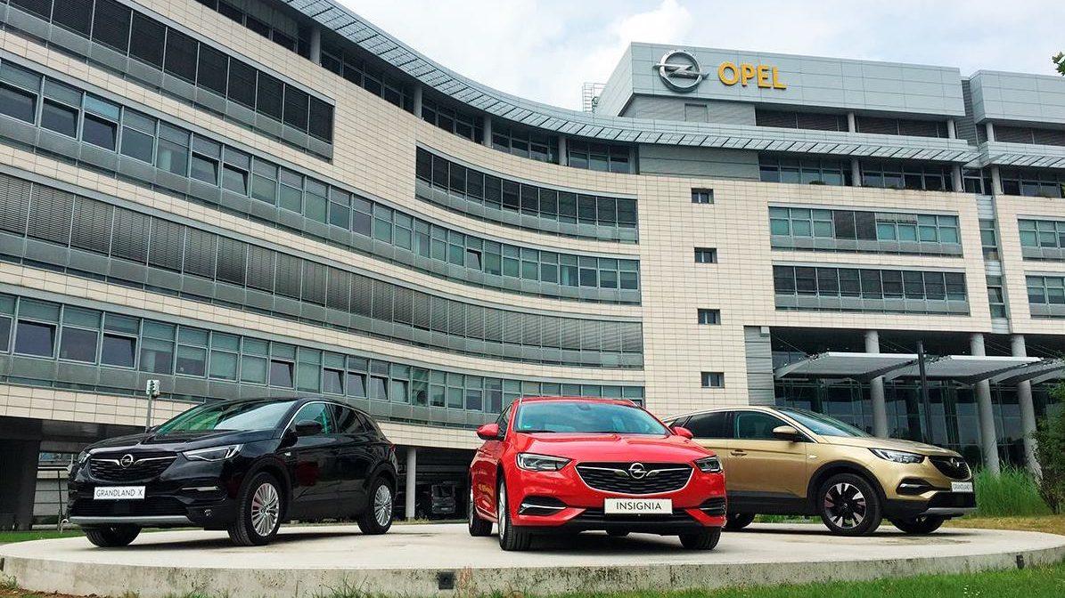 Alemania ordena a Opel revisar 100,000 autos por pesquisa sobre emisiones