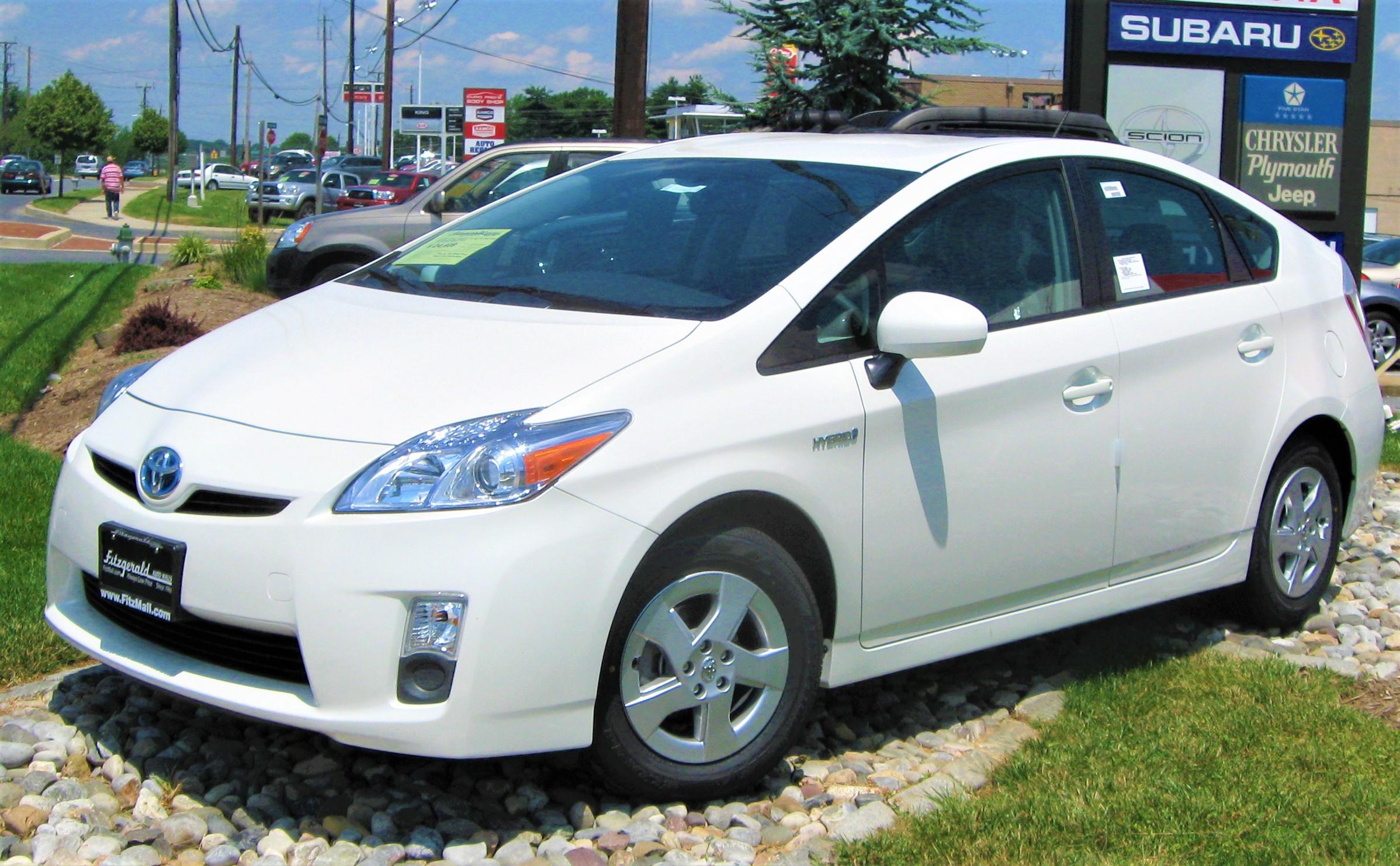 Toyota llama a revisión a 660 vehículos Turna y Sequoia, y 850 Prius en México