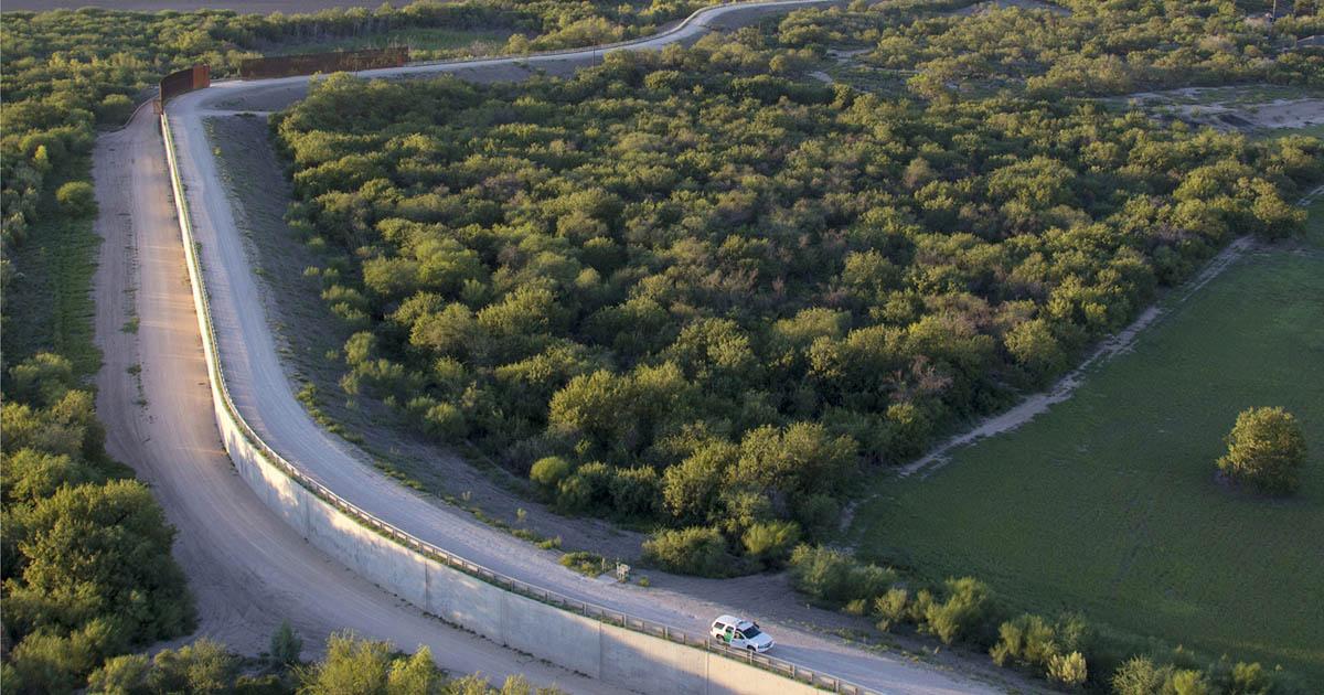 Trump anulará leyes ambientales para construir muro fronterizo