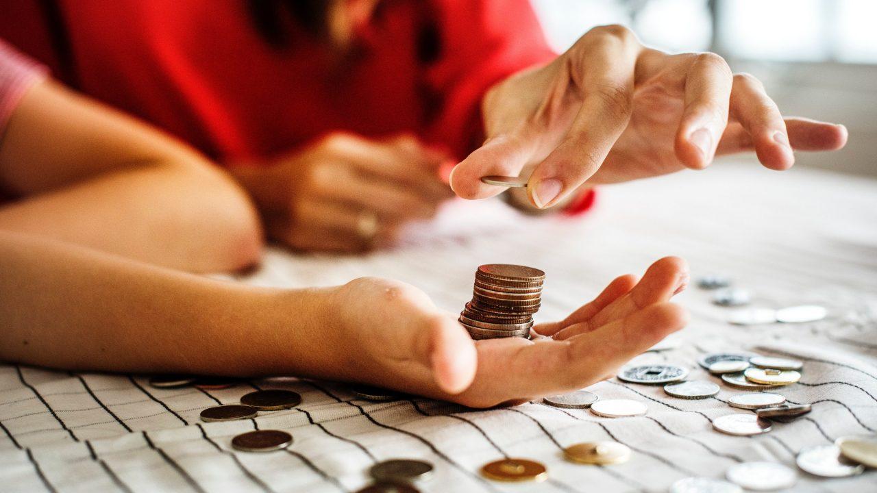 Mujeres mexicanas prefieren ahorrar en vez de invertir