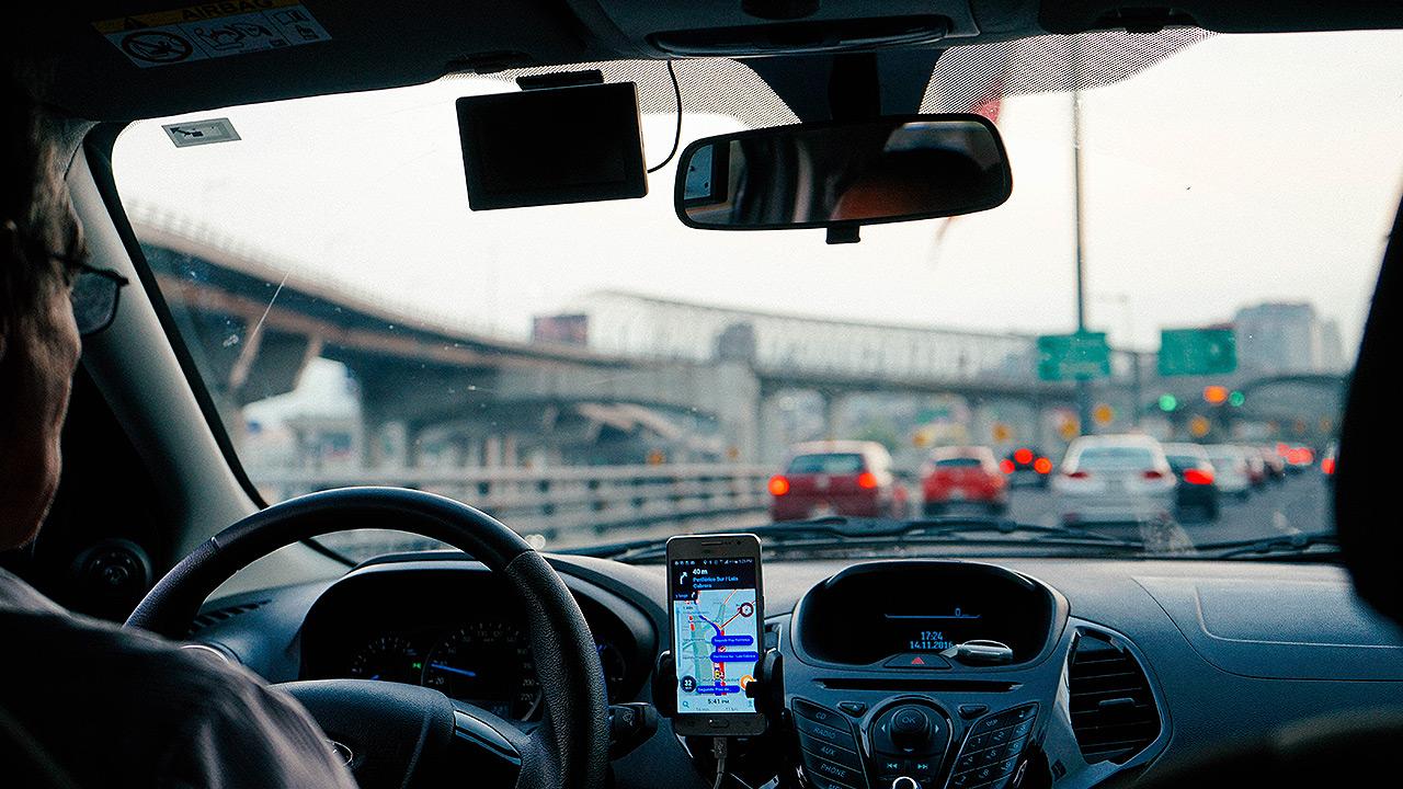 La SCJN abre la posibilidad de que pagues tu app de taxi con 'cash'