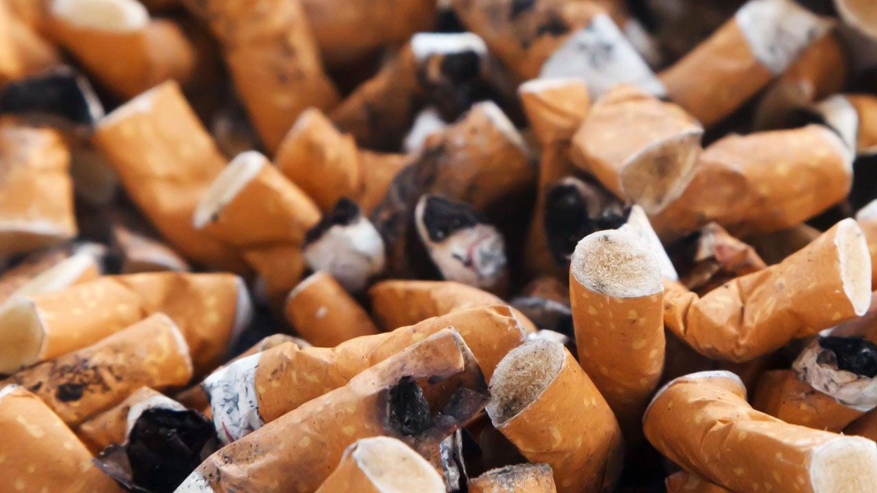 Impondrán multas de hasta 250 euros por tirar colillas en Portugal