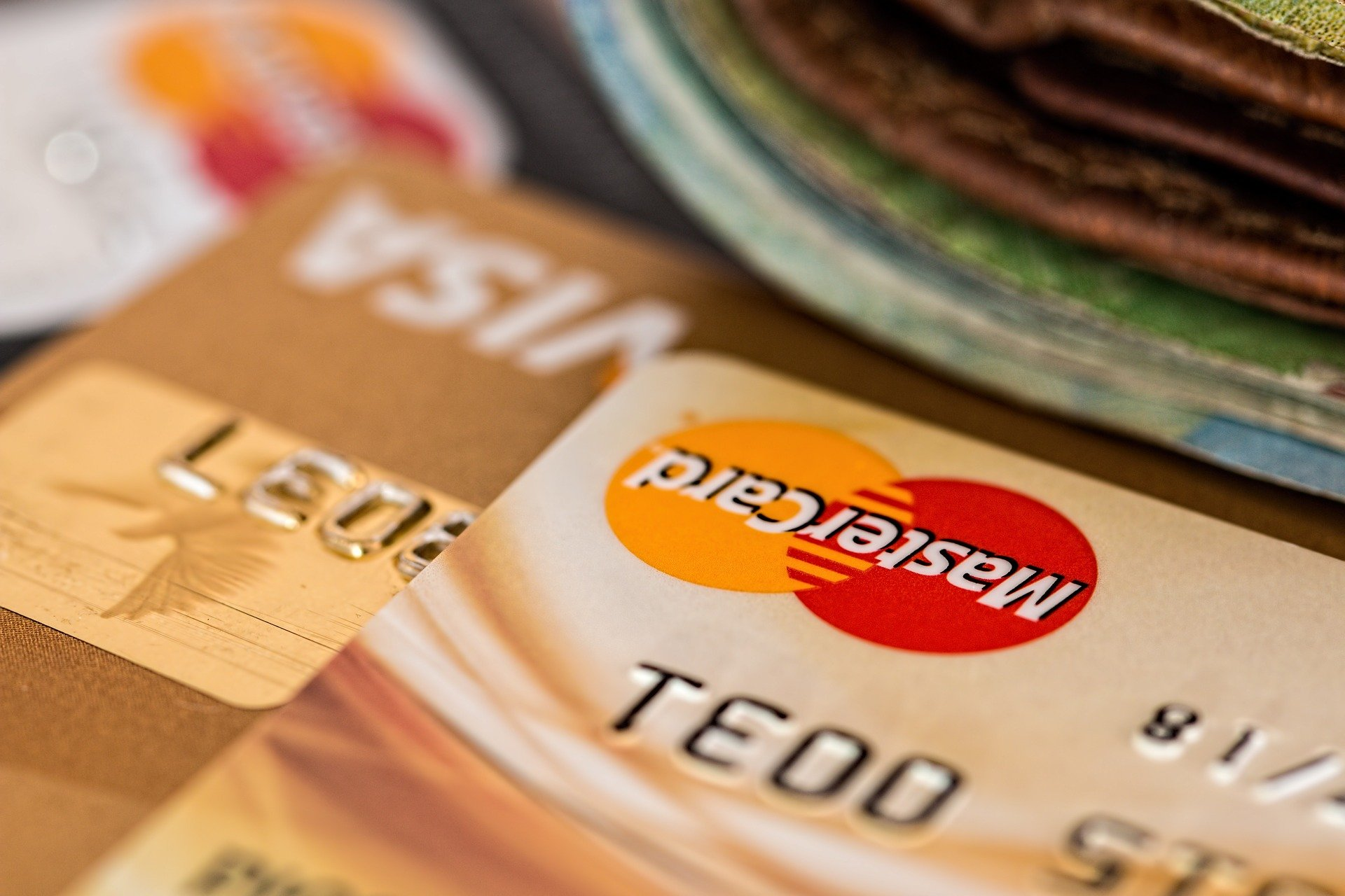 Las 6 tarjetas de crédito con tasa de interés, anualidad y comisiones más bajas