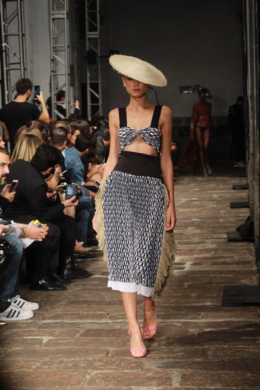 Daniela Villa impregna de arte la Semana de la Moda