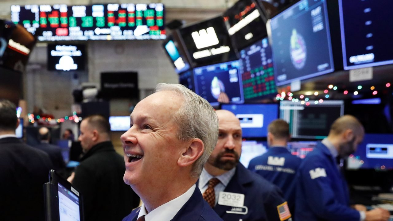 S&P 500 se dispara tras noticias de una posible vacuna para Covid-19