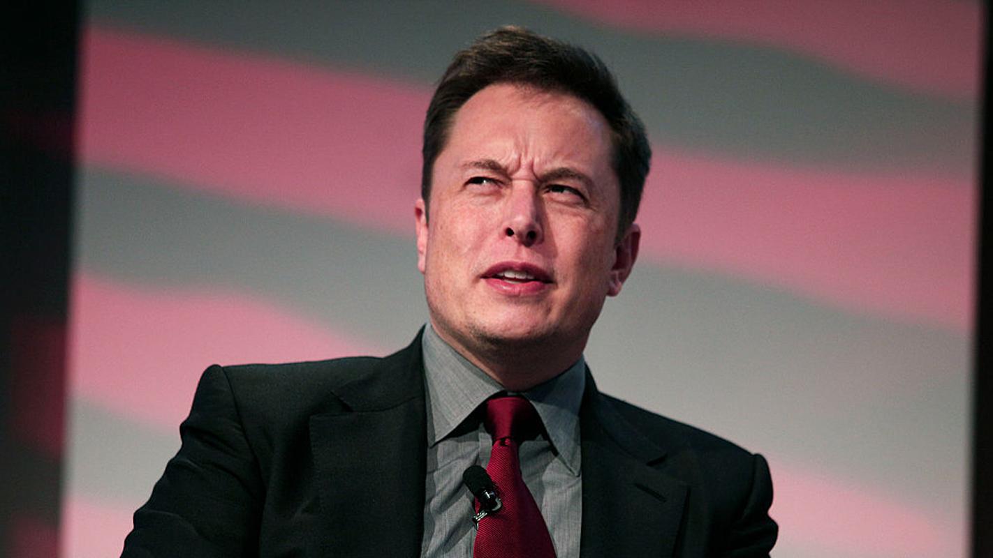 'Sigue la lógica, no las reglas': 6 consejos de Elon Musk para mejorar tu productividad