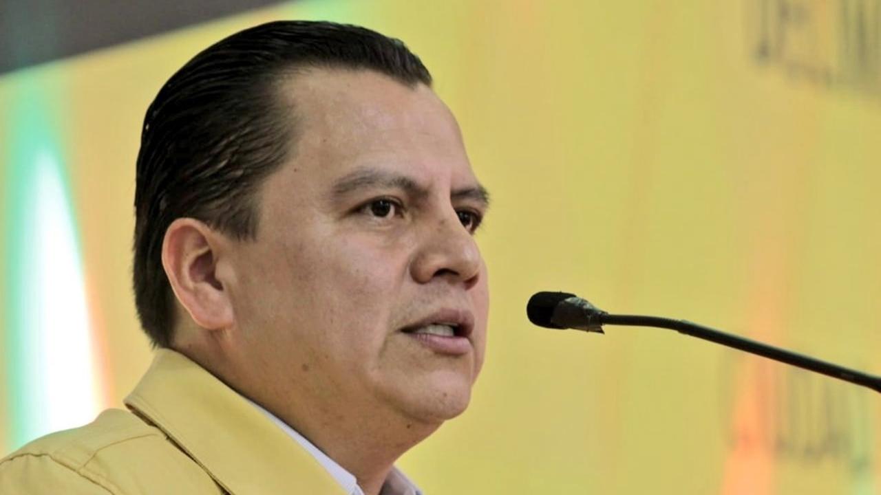 Granados deja la presidencia del PRD previo a debate sobre su futuro