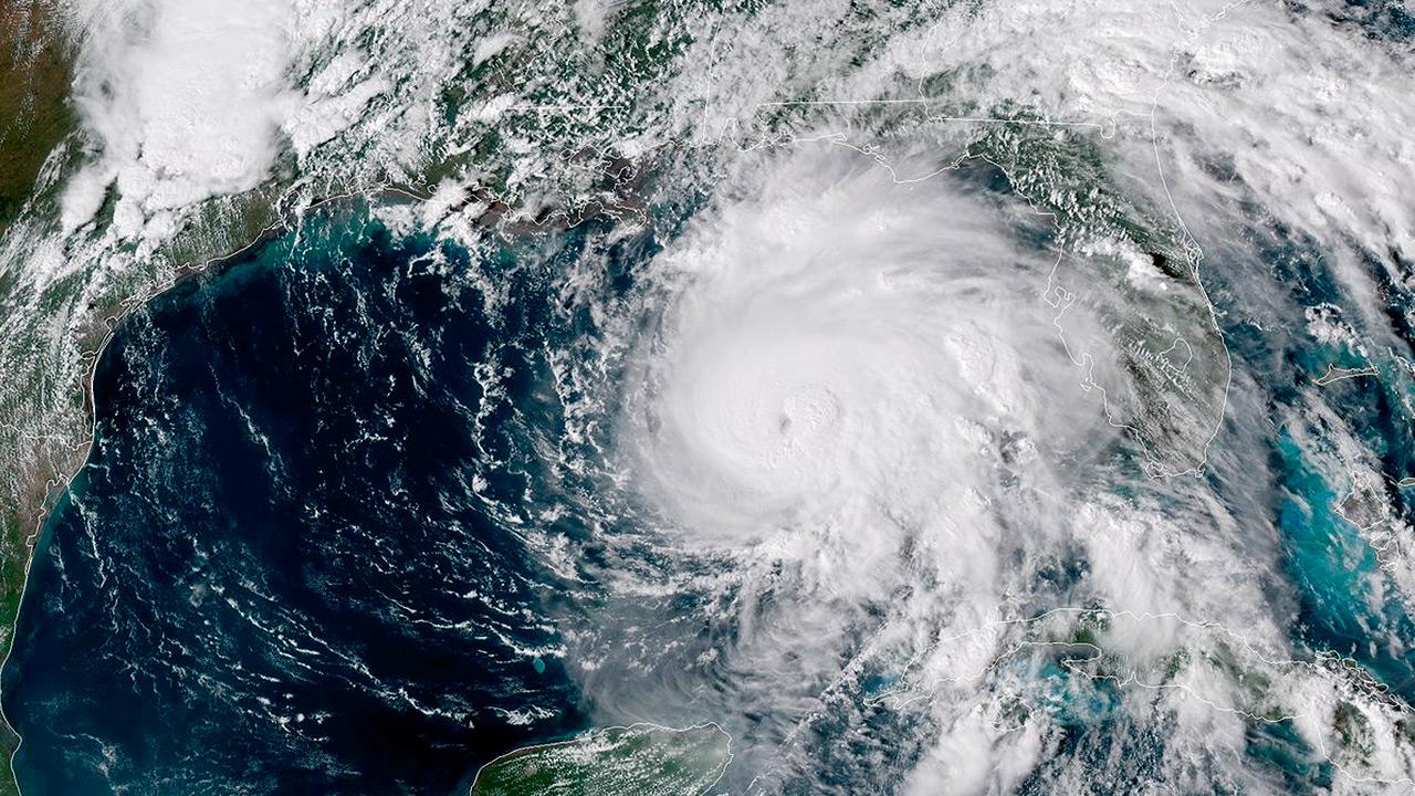 Huracán Michael se aleja de México; se enfila a Florida en categoría 3