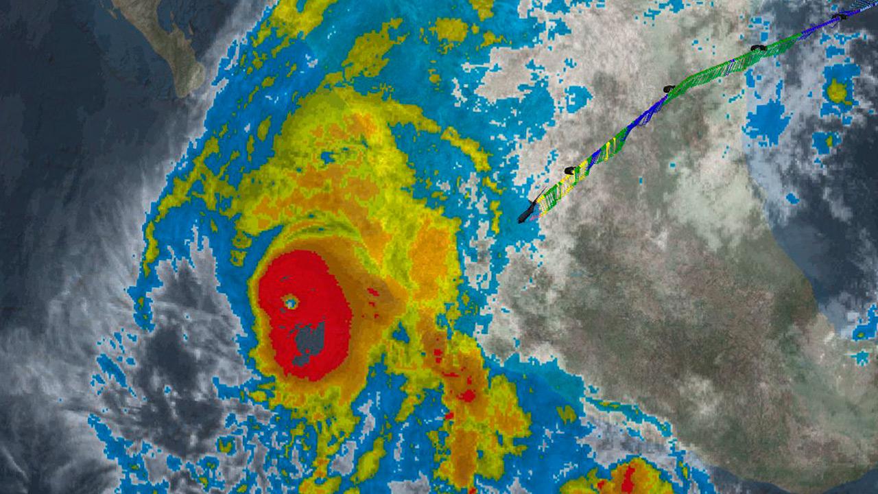 Huracán Willa alcanza la categoría 5 mientras se acerca a México