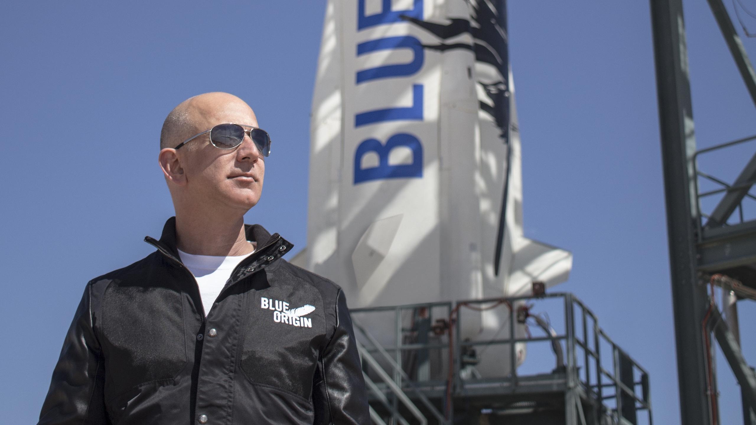 Blue Origin de Jeff Bezos aspira a enviar pasajeros al espacio para abril