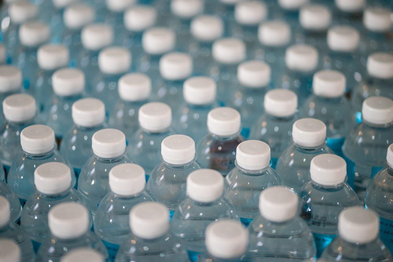 Juntar tapas de plástico puede llevar a esta mexicana a la ONU