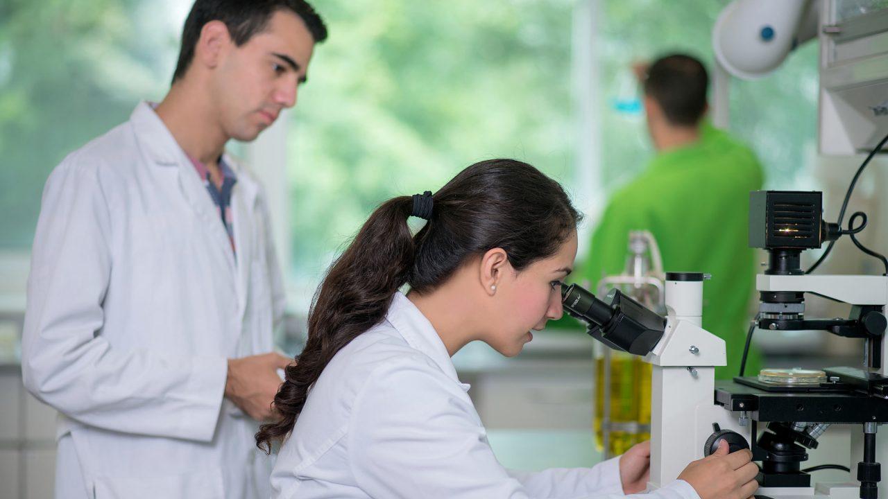 México debe formar a sus investigadores y no depender del extranjero: Conacyt