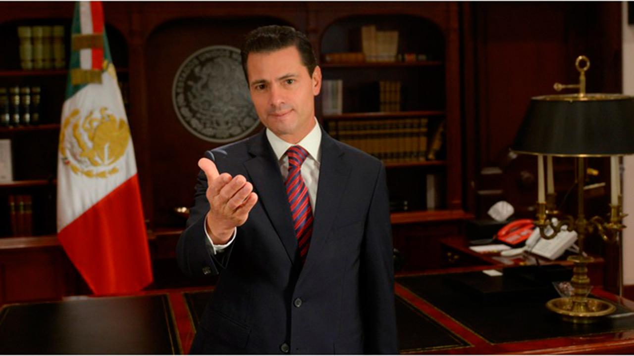 Peña Nieto felicita al ultraderechista Bolsonaro por su triunfo en Brasil