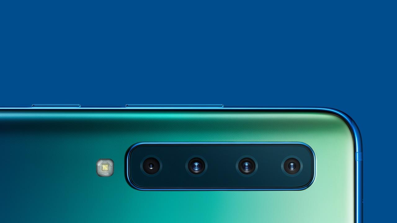 Samsung lanza su A9, un smartphone con cuatro cámaras traseras