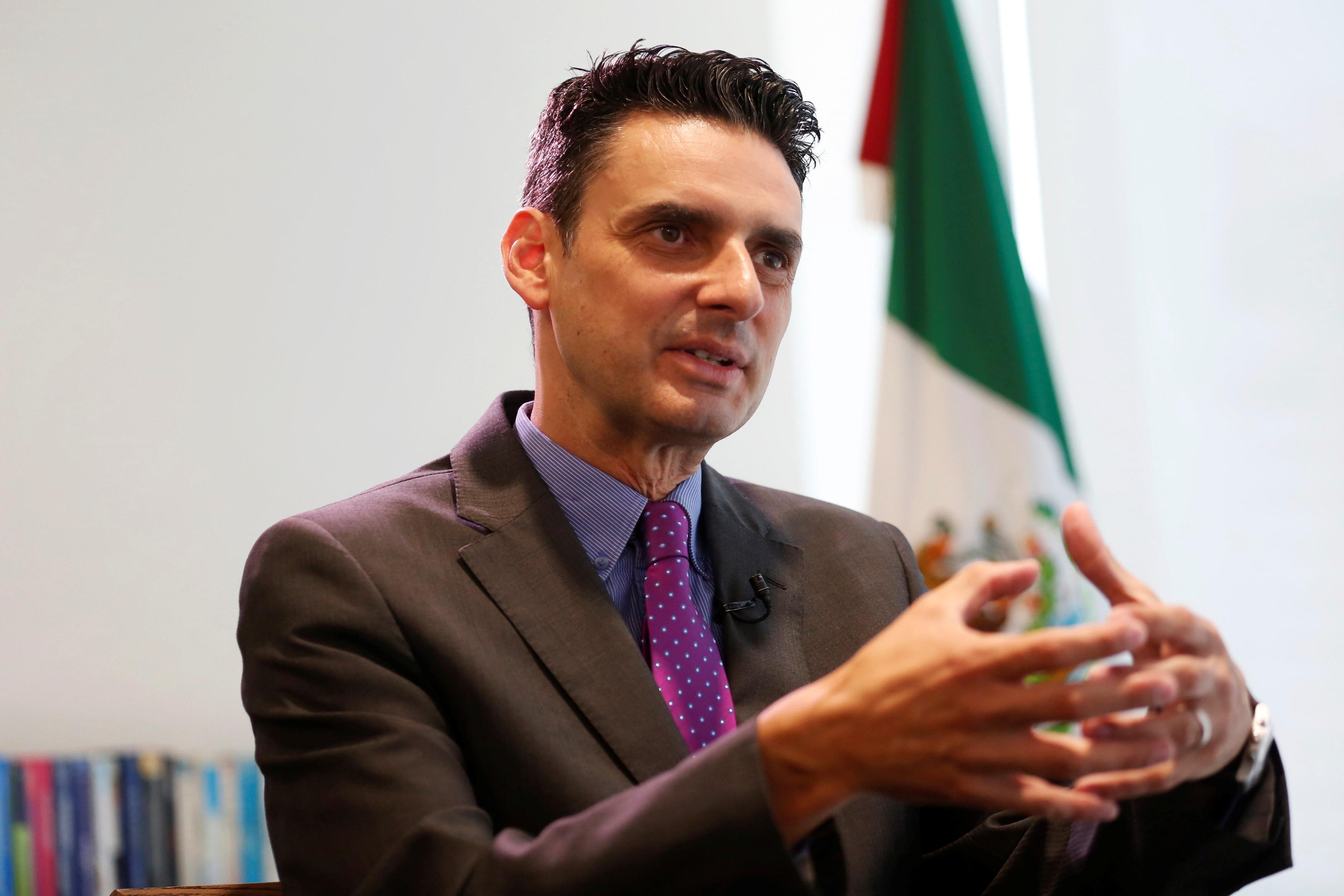 Guillermo García Alcocer seguirá al frente de la CRE