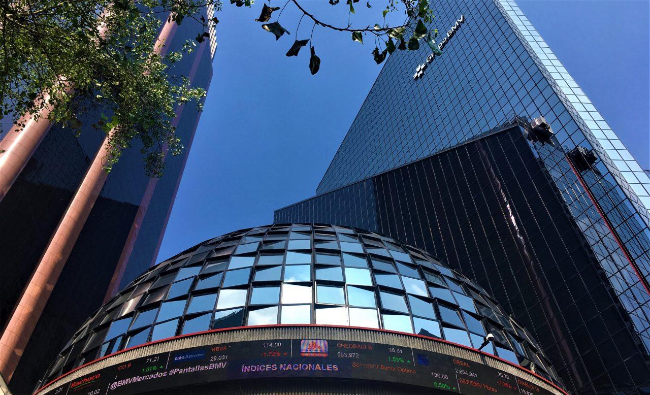 BMV cierra al alza tras anuncio de Pemex