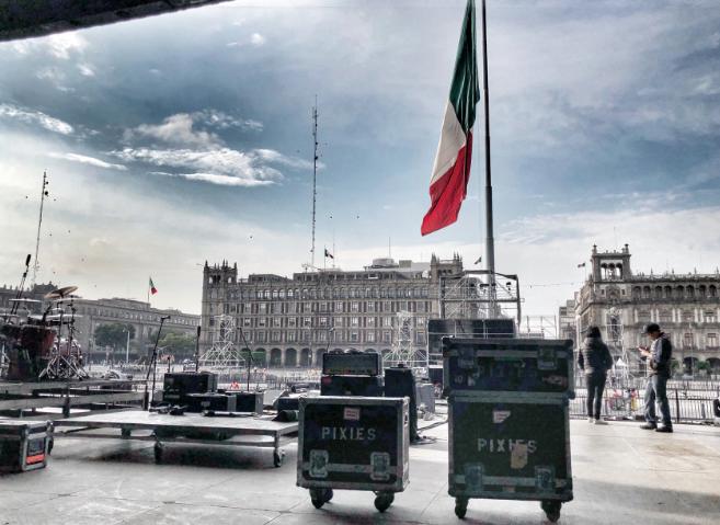 Gobierno de la CDMX alista la plancha del Zócalo para recibir a Pixies