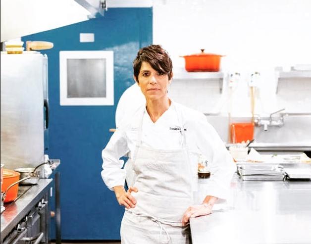 Dominique Crenn es la primera chef estadounidense con tres estrellas Michelin