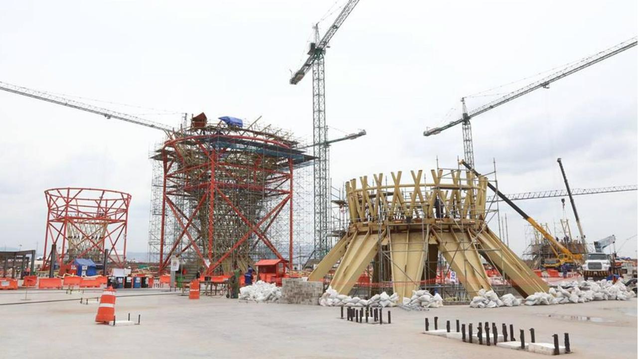 Singapur quiere salvar proyecto del NAIM, revela Loret de Mola