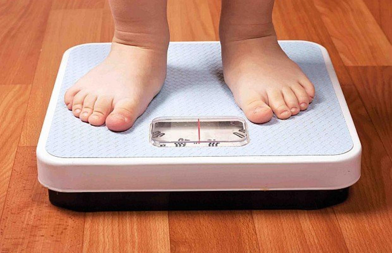 Desnutrición o sobrepeso, problemas alimentarios de los niños mexicanos