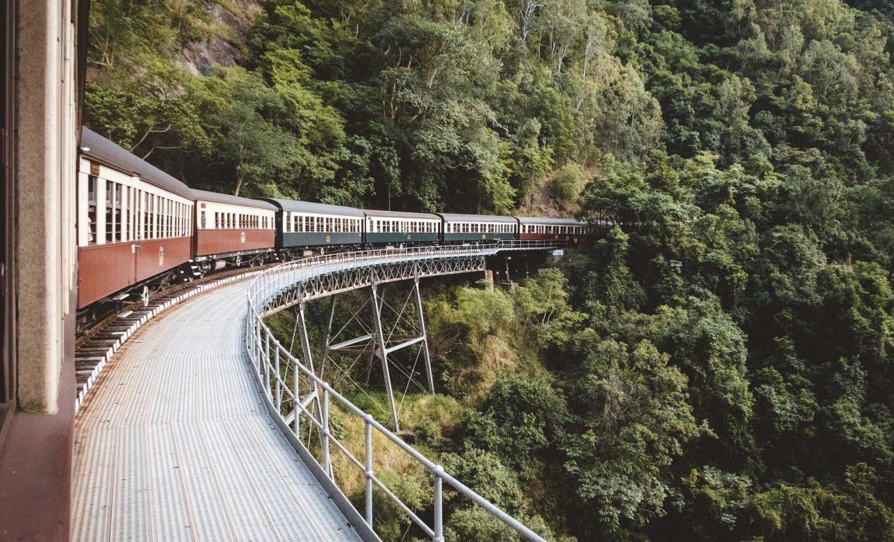 Licitaciones del Tren Maya iniciarán en abril: López Obrador