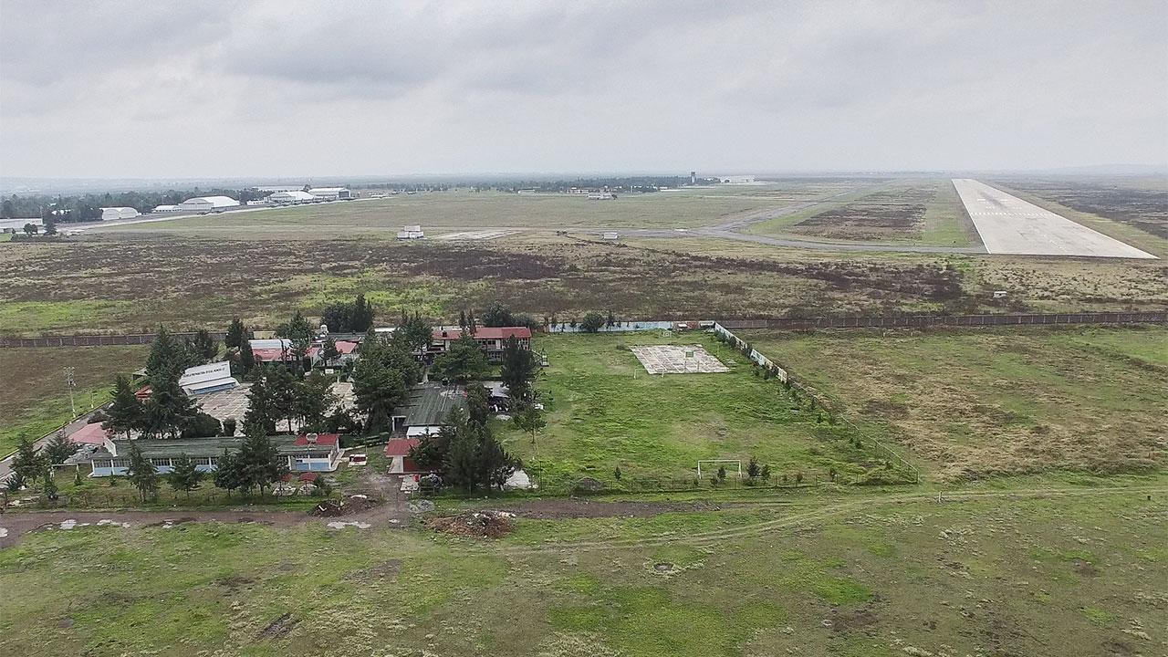 'Queremos vender, no regalar': vecinos de la base aérea de Santa Lucía