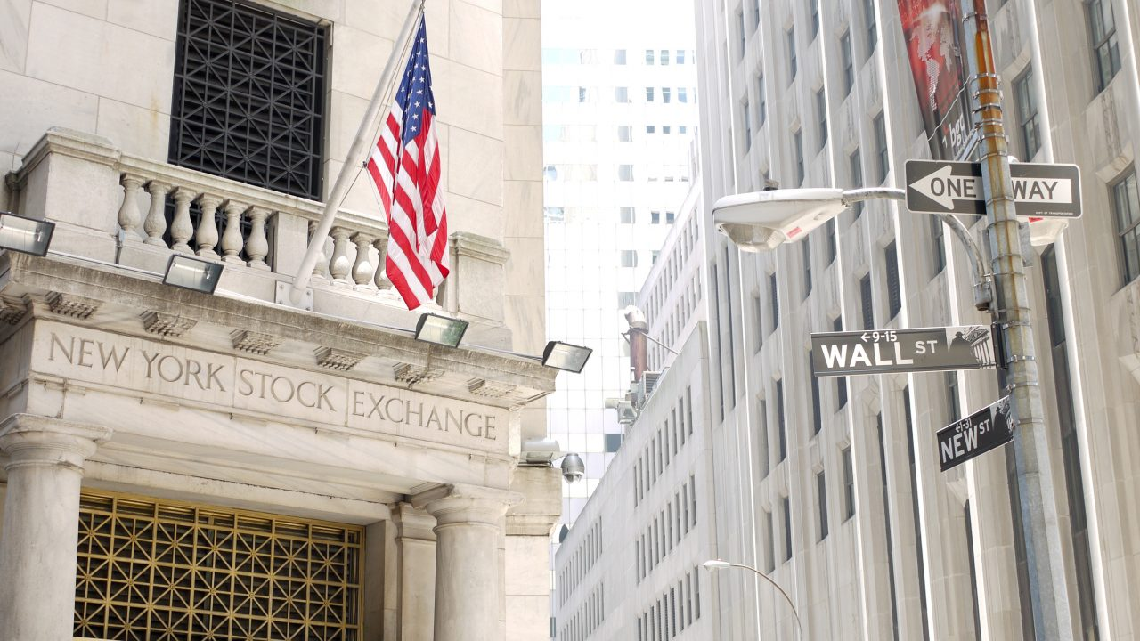 Optimismo por comercio impulsa Wall Street y BMV; automotrices, al alza