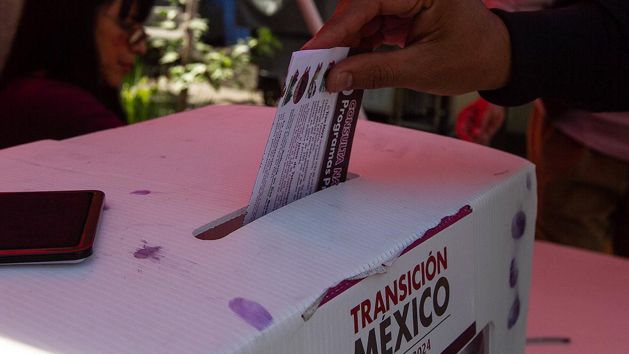 Resultados de la consulta: 9 de cada 10 apoyan el Tren Maya y refinería en Dos Bocas