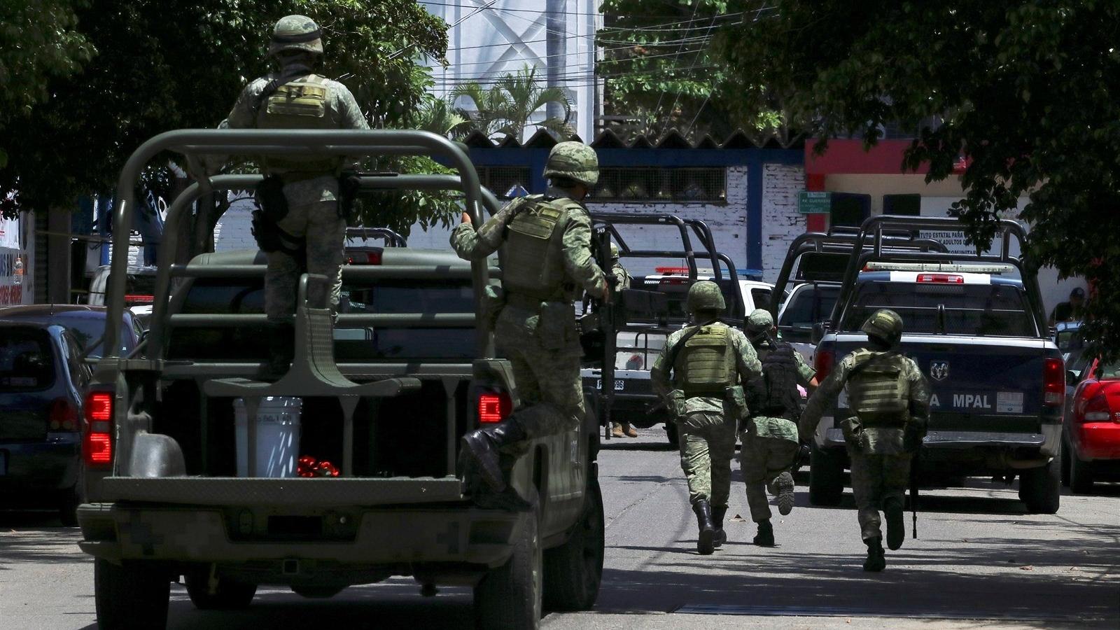 Mueren 2 soldados en emboscada en Aguililla, Michoacán