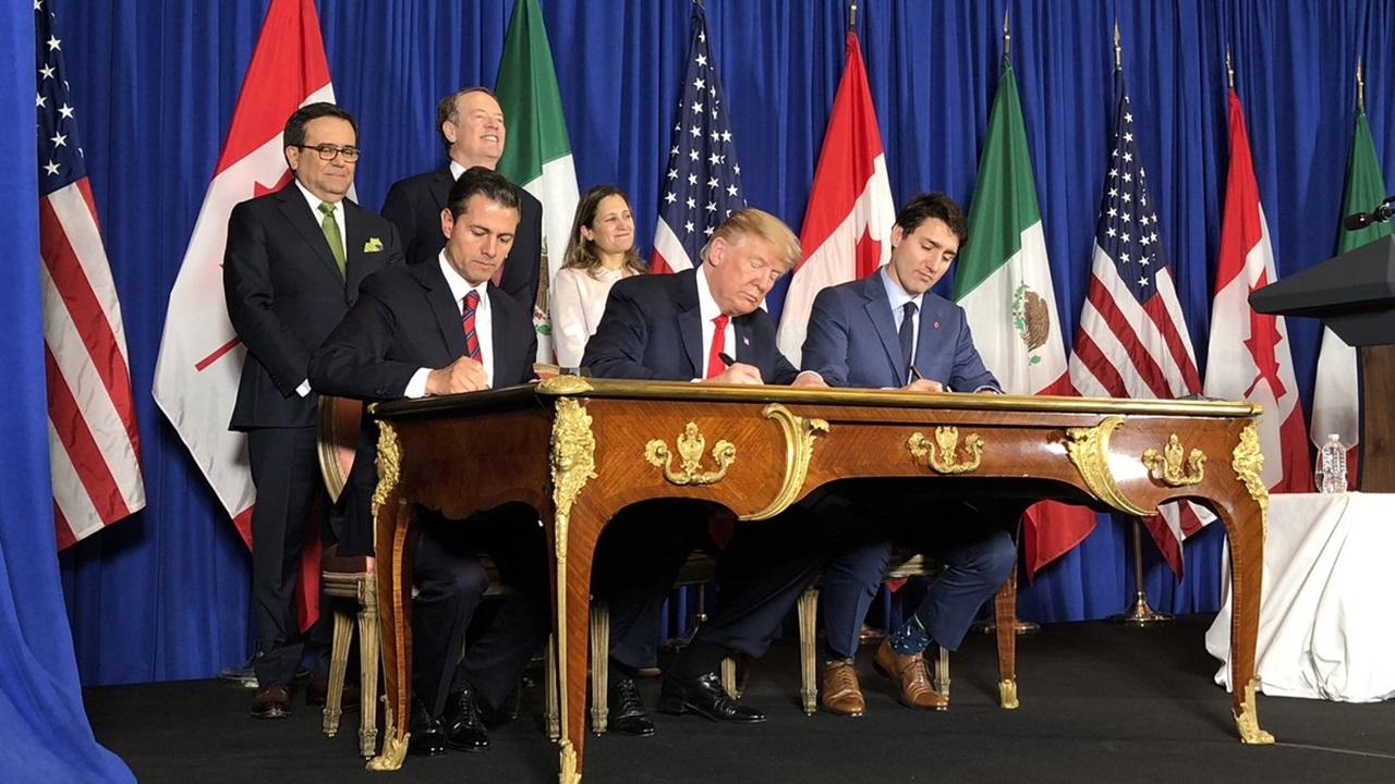 Peña, Trump y Trudeau firman el T-MEC en Argentina