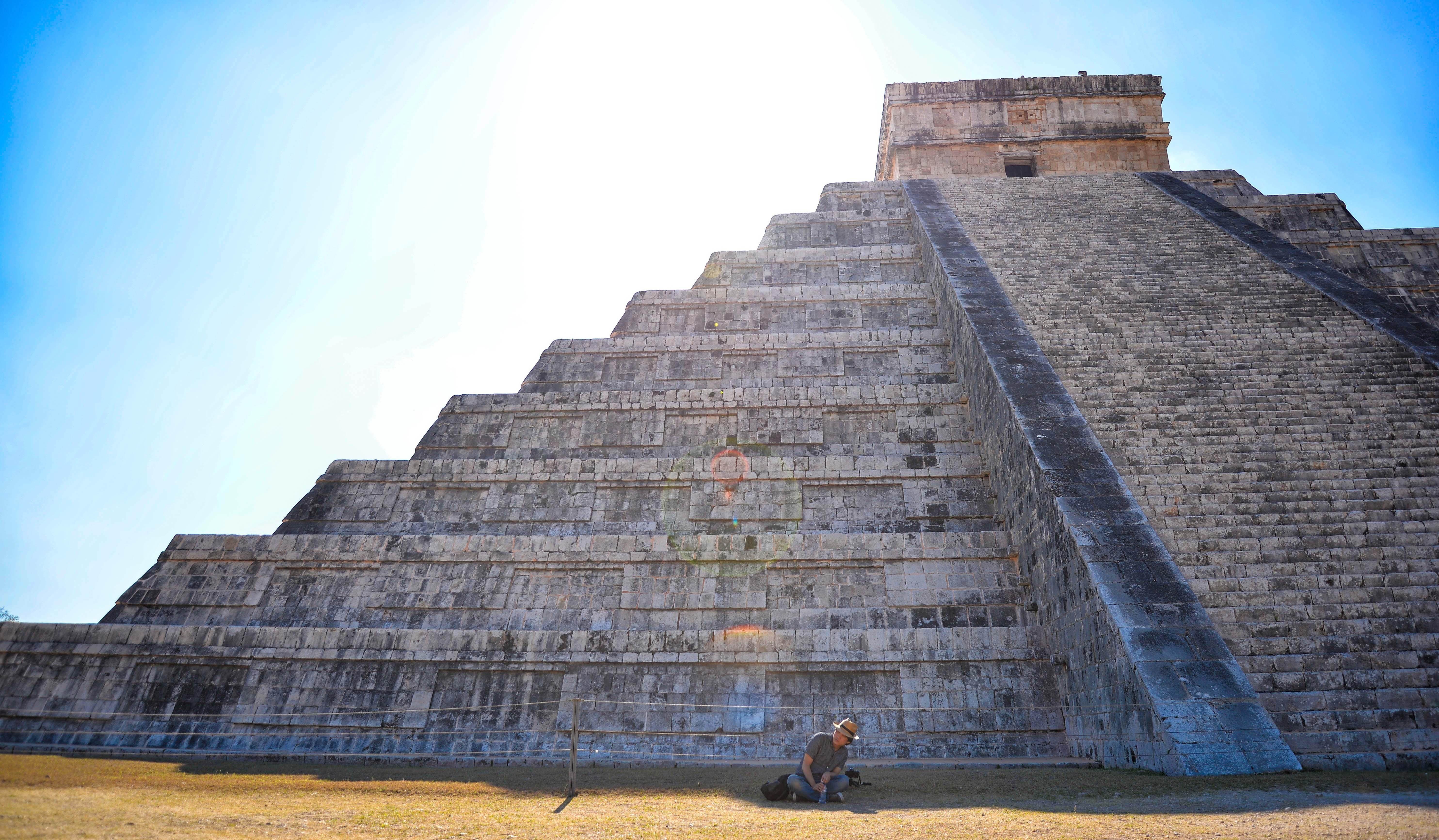 Llegan menos turistas y entran menos divisas en septiembre: Inegi