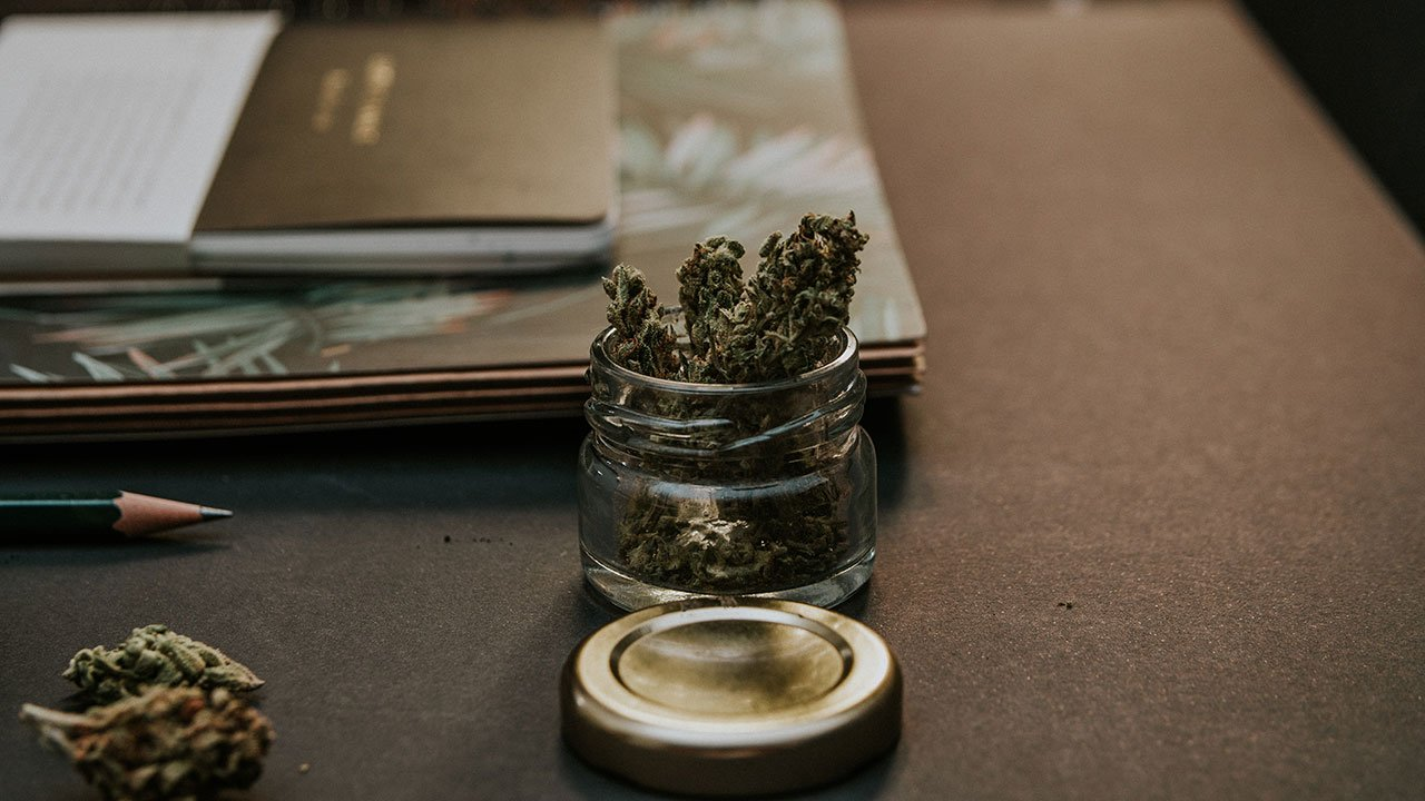 Comisión del Senado avala cambios de diputados para uso lúdico de mariguana