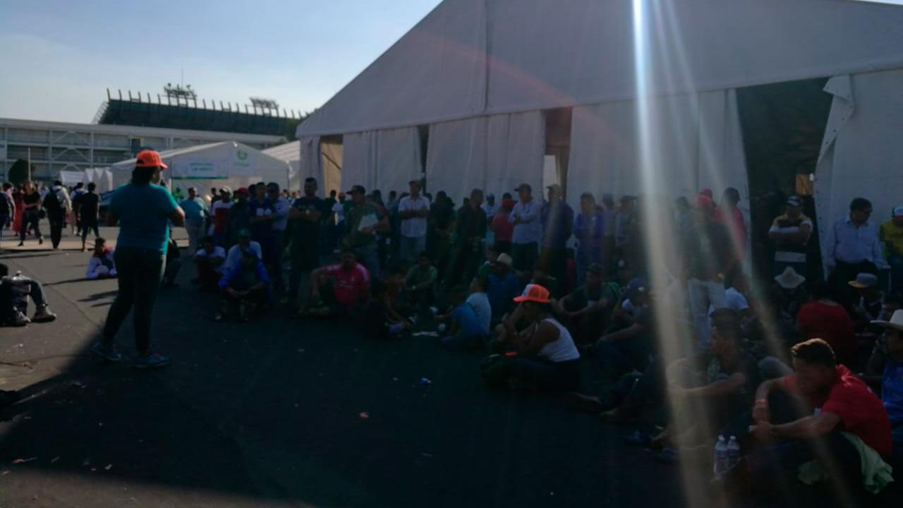 Rechazados y cansados; migrantes saturan albergues en frontera con EU