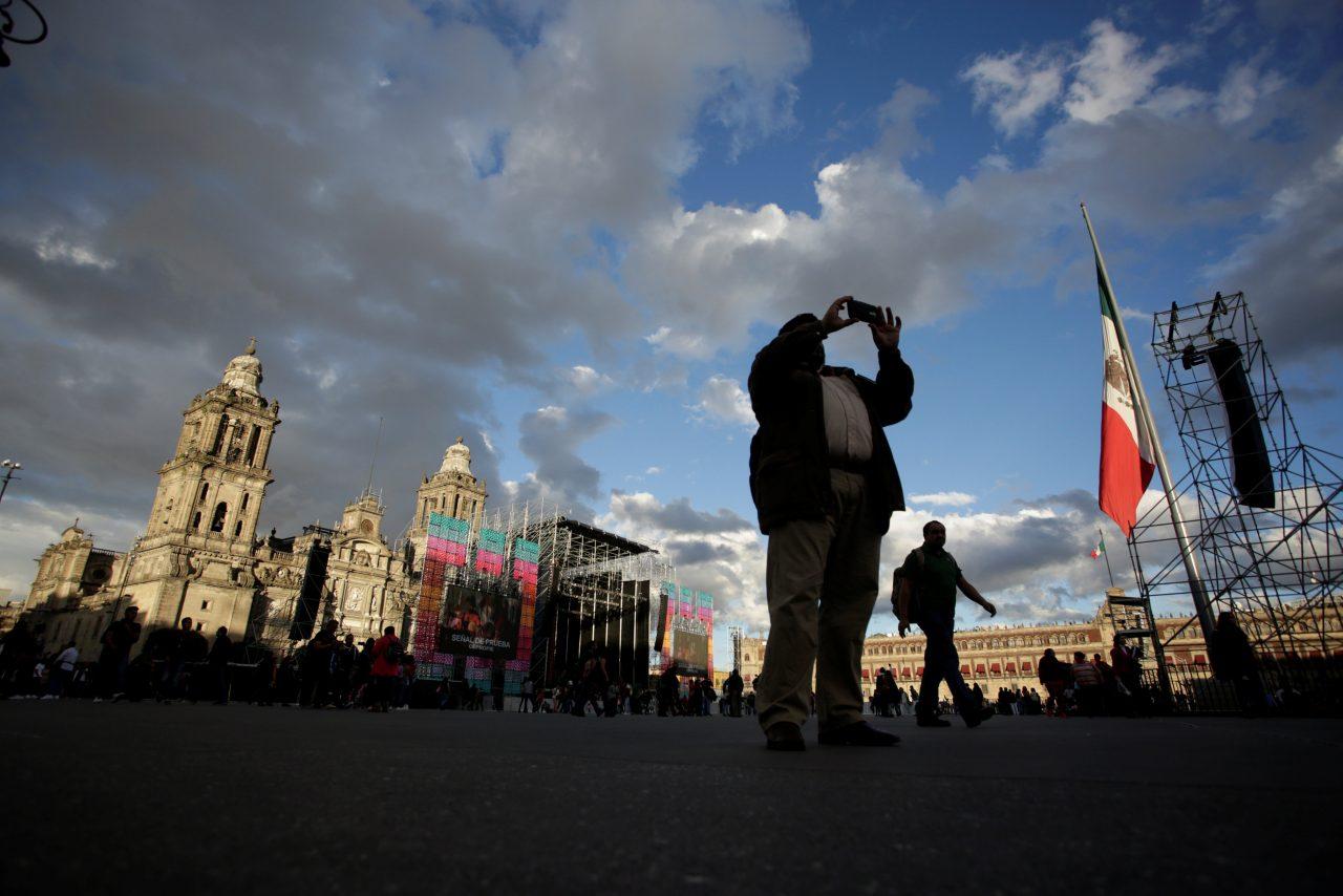 S&P baja perspectiva de calificación a México