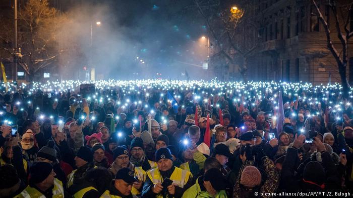 ¿Por qué protestan los europeos en las calles?