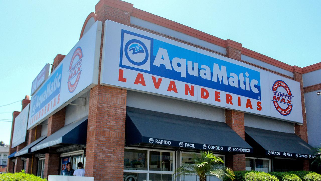 AquaMatic se posiciona como la cadena de lavanderías número 1 de América