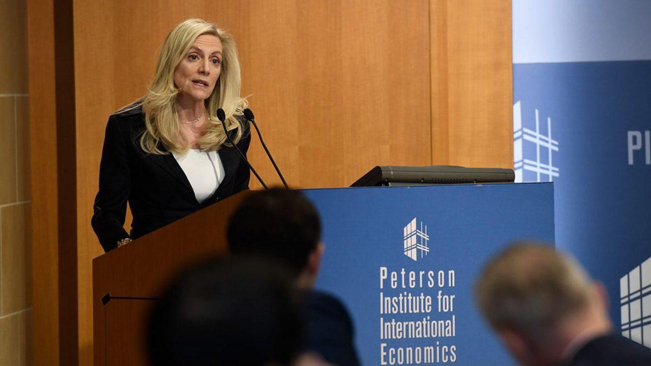 Autoridades de la Fed apuntan hacia un freno en la subida de intereses
