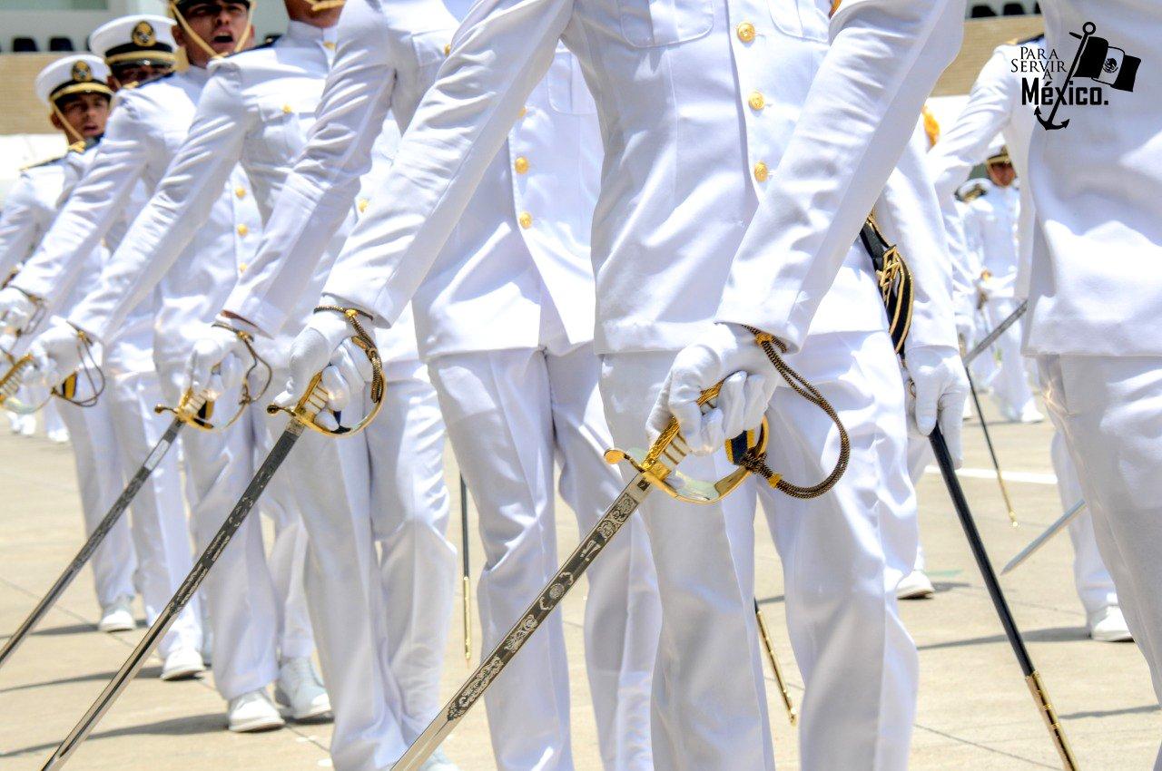 Ojeda Durán recibe mando de la Secretaría de Marina