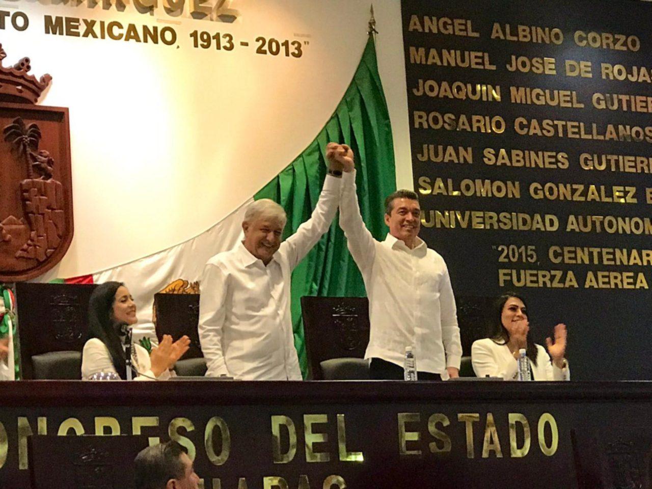 Morenista Rutilio Escandón ya es gobernador de Chiapas