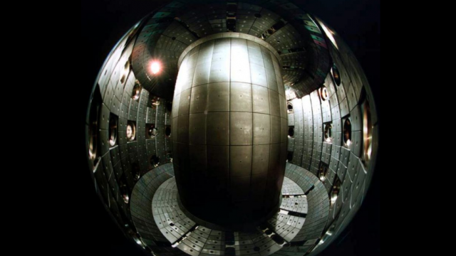 El reactor experimental Tokamak de la Escuela Politécnica Federal de Lausanne, Suiza. Foto Wikipedia.