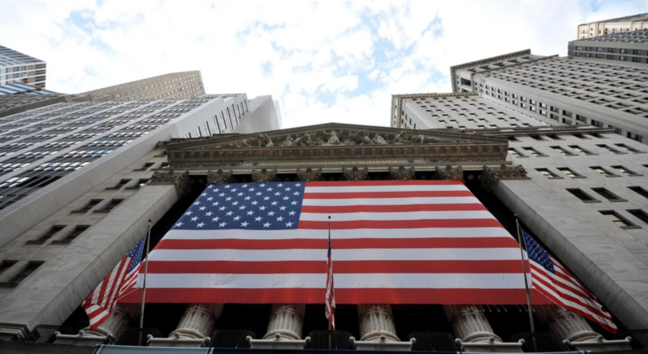 Wall Street arranca con ganancias a la espera de la FED