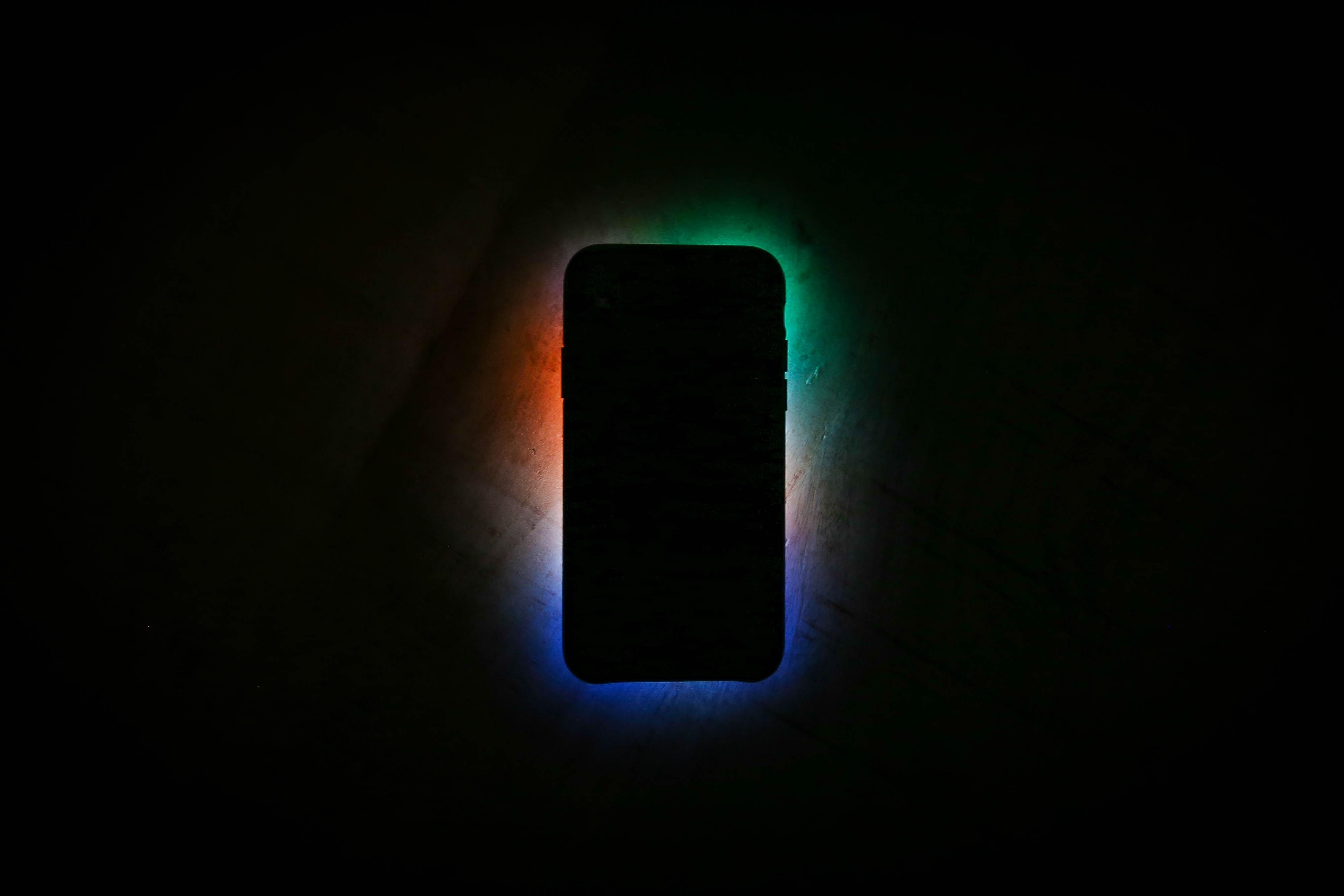 Luz azul de dispositivos móviles aceleraría el envejecimiento: estudio