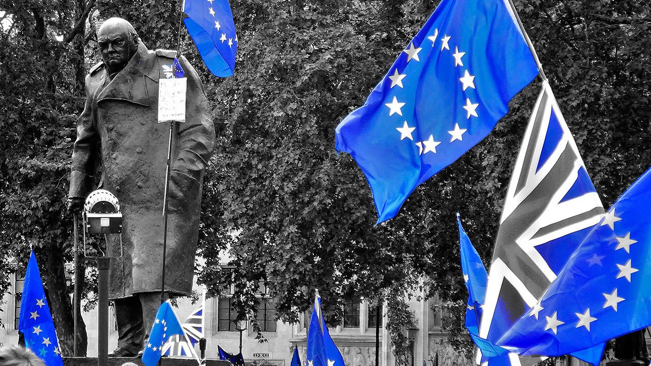 Expectativas por acuerdo sobre Brexit impulsan a acciones y libra esterlina