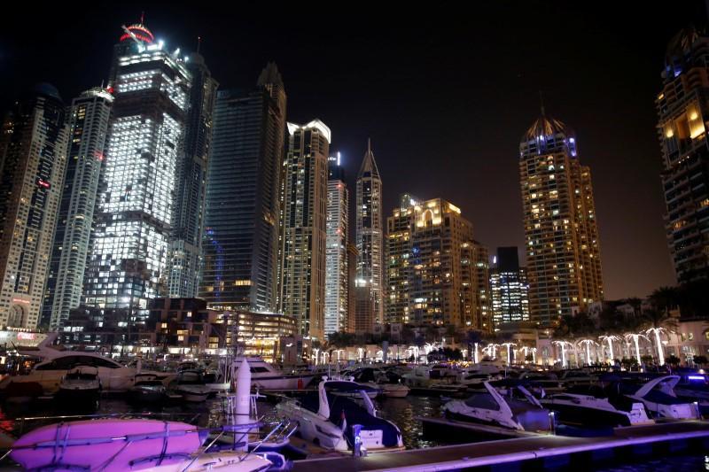 Yates embellecen la zona portuaria recreativa de Dubai Marina. Foto Reuters.