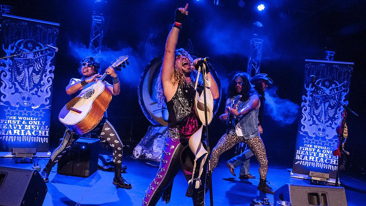 Metalachi, la banda que fusiona el metal con el mariachi